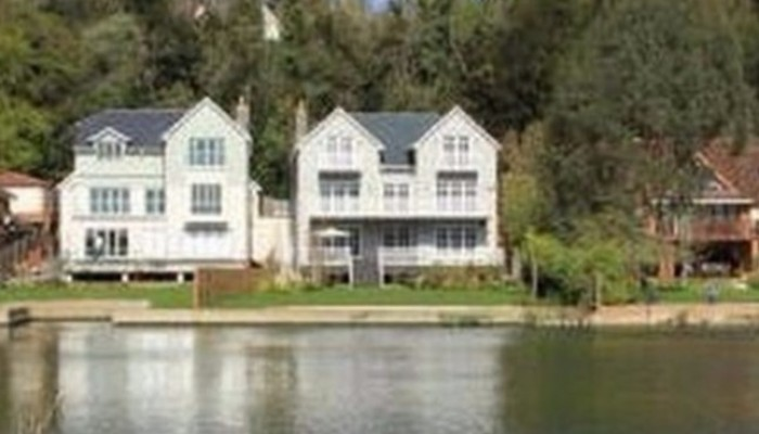شاشة نت بالفيديو منزل فاخر سعره 4 مليون للبيع بـ 30 دولارا فقط